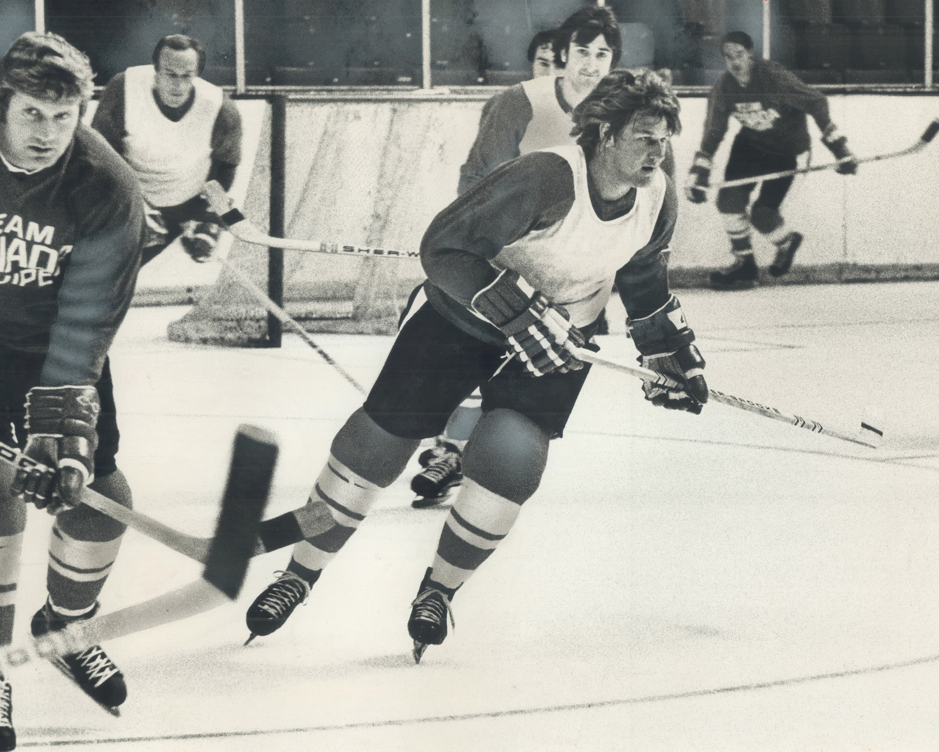 94c0dcdfcd1 BOBBY ORR TIES PAT STAPLETON'S NHL RECORD FOR ASSISTS IN A GAME